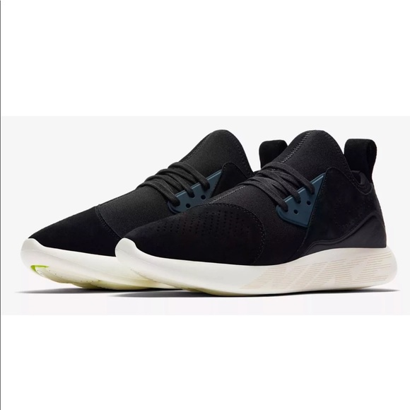 5aa390b14888 Men s Nike Lunarcharge Premium Shoes